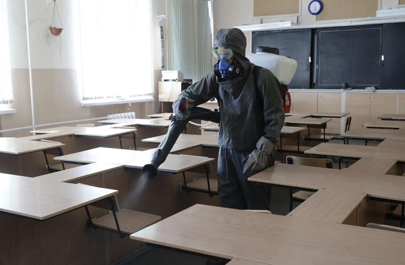 Дезинфекция школы перед ЕГЭ