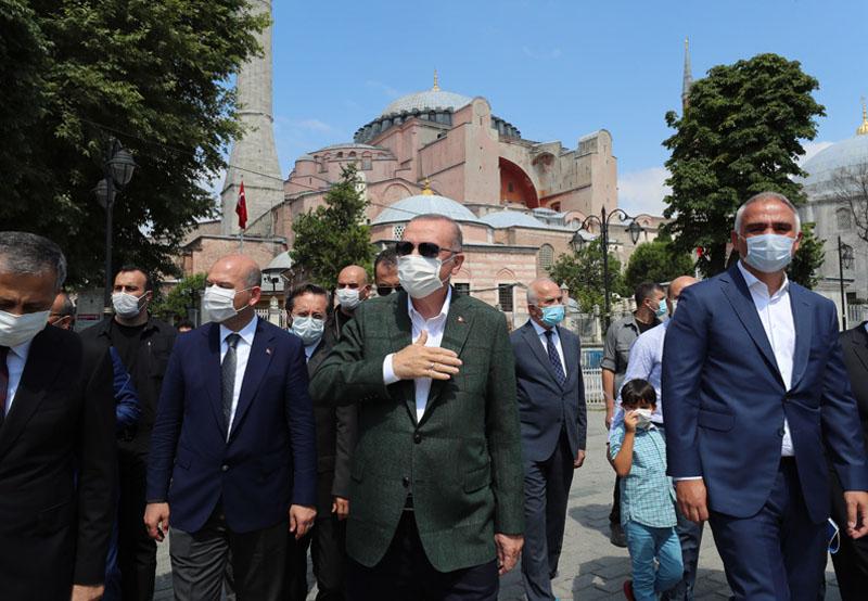 Президент Турции Реджеп Тайип Эрдоган во время посещения собора Святой Софии