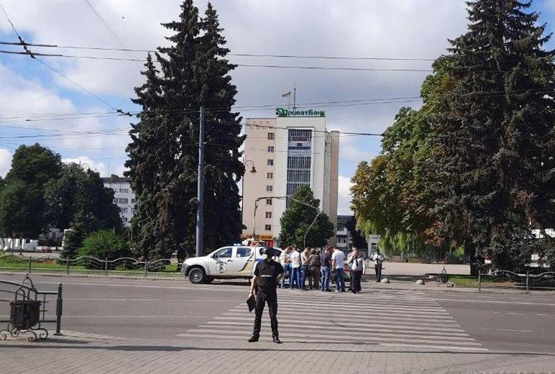 Ситуация с захватом заложников в украинском Луцке