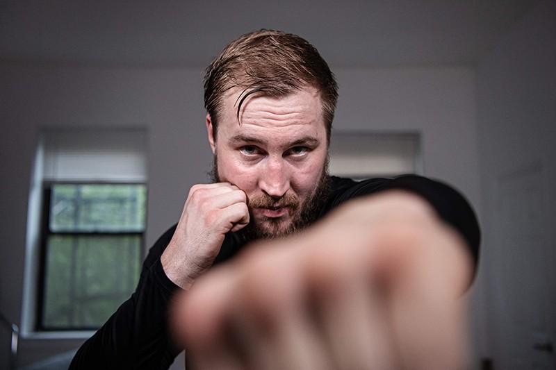 Домашняя тренировка боксера