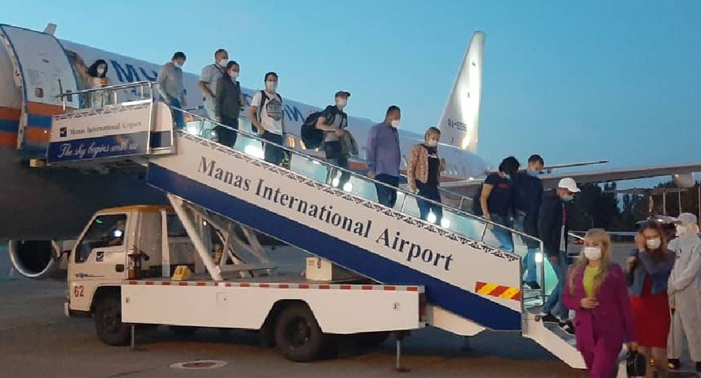 Российские врачи прибыли в Бишкек