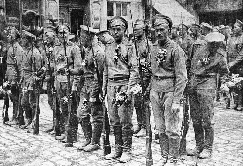 Первая мировая война. Русские солдаты во Франции, 1916 год