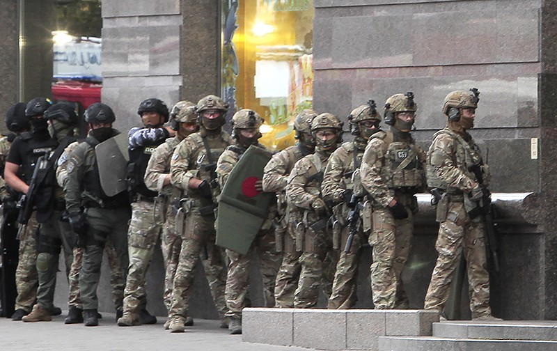 Неизвестный угрожает взорвать бомбу в банке в центре Киева