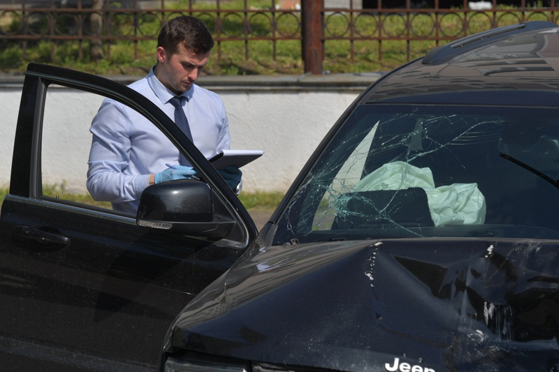 Пострадавший в результате аварии автомобиль актёра М. Ефремова Jeep Grand Cherokee