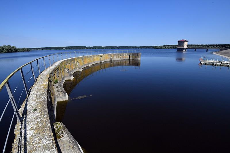 Плотина, входящая в состав Можайского гидроузла