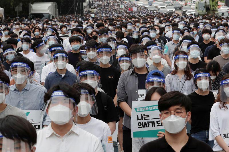 Акция врачей-стажеров в Сеуле