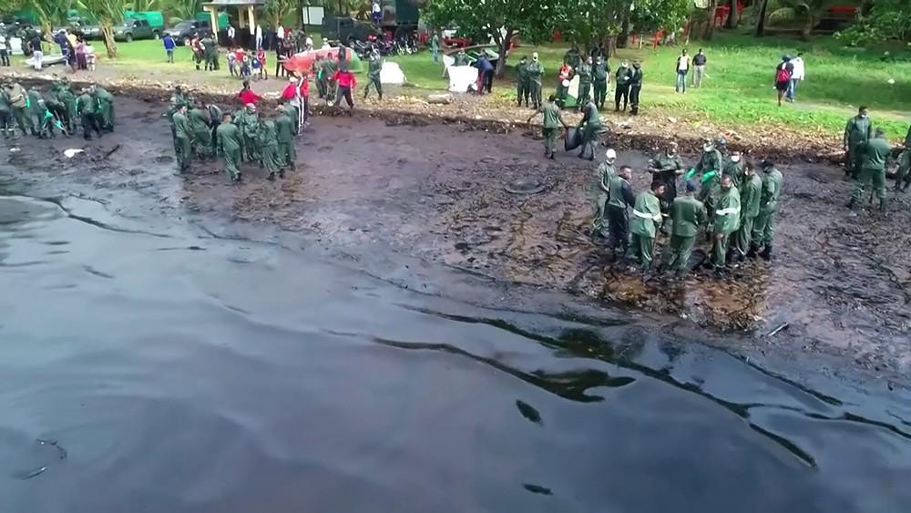 Последствия разлива нефтепродуктов на Маврикии