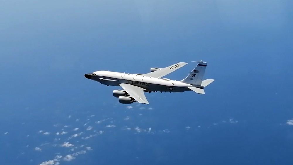 Стратегический самолет-разведчик RC-135 ВВС США