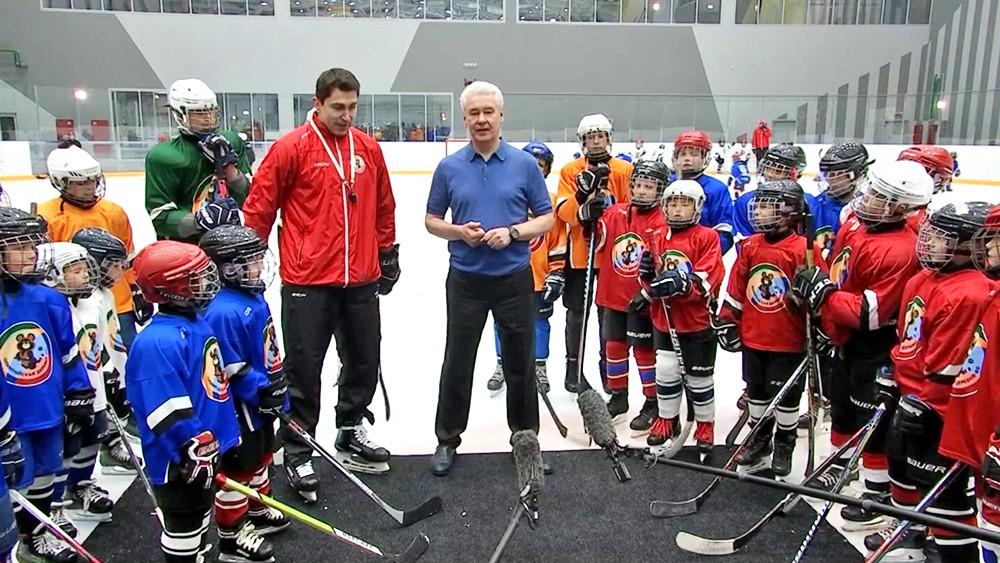 Сергей Собянин на открытии новой хоккейной арены