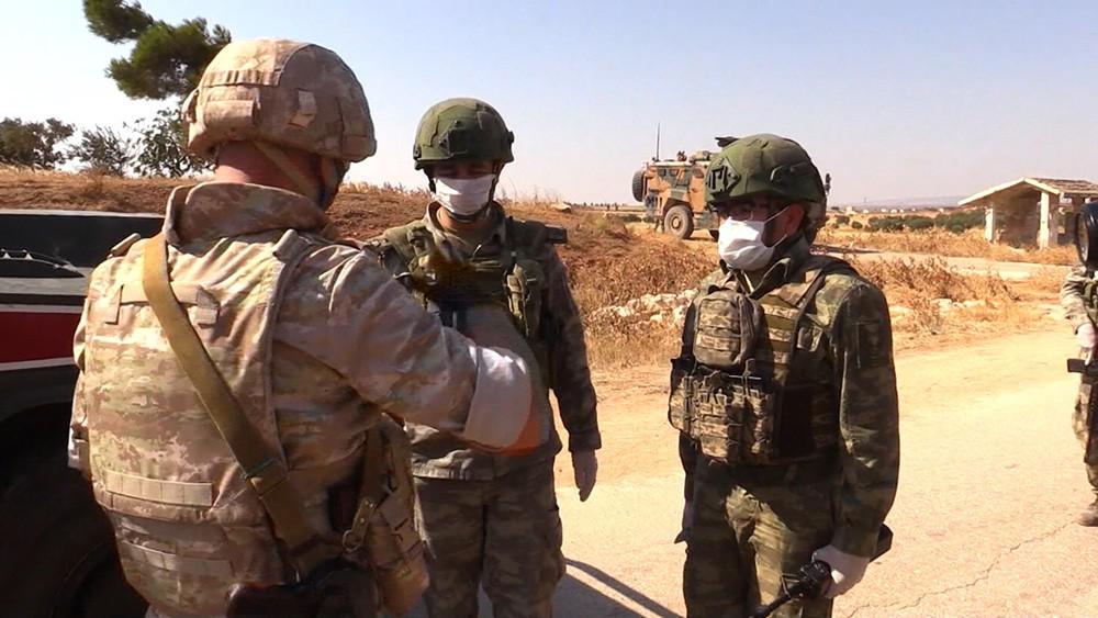 Российские и турецкие военные в Сирии