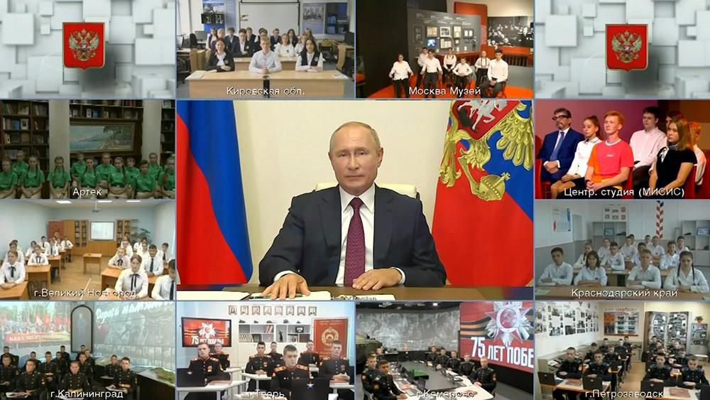 Владимир Путин провел открытый урок для школьников