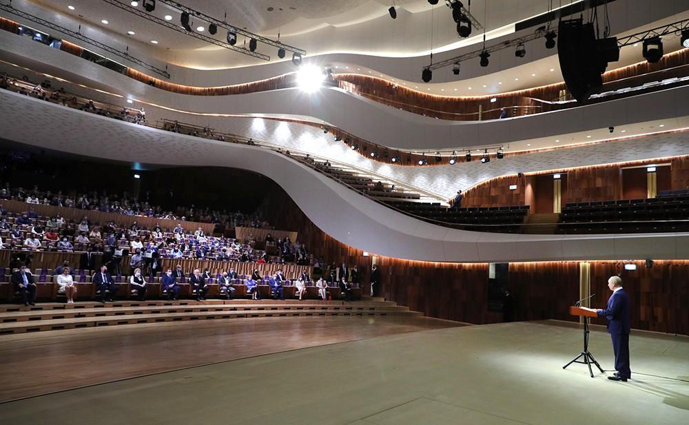"""Торжественное мероприятие в концертном зале """"Зарядье"""", посвящённое празднованию 873-й годовщины основания Москвы"""