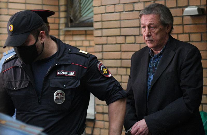 Актер Михаил Ефремов после оглашения приговора