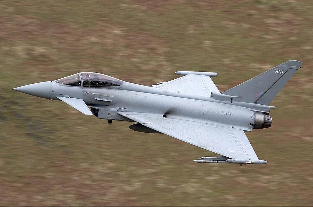 Самолет Eurofighter