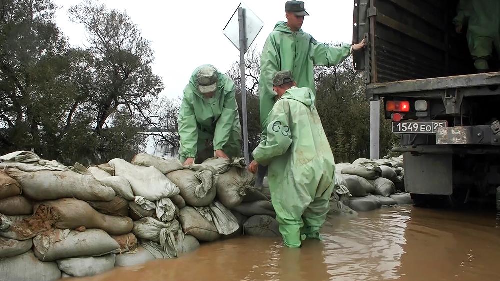 Работы по сдерживанию паводка