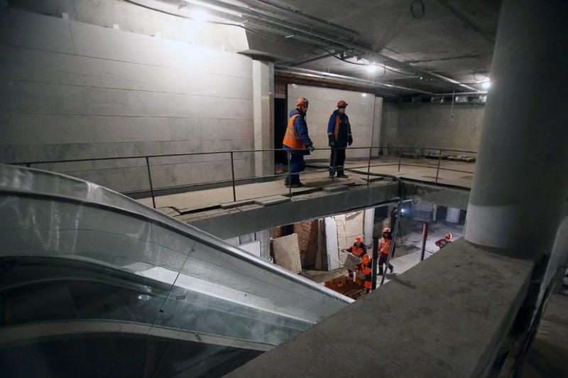 Рабочие во время строительства транспортно-пересадочного узла