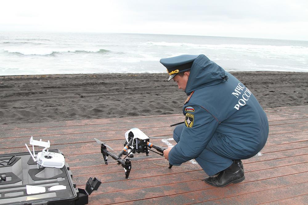Сотрудники МЧС оказывают помощь в мониторинге обстановки на побережьях Камчатки
