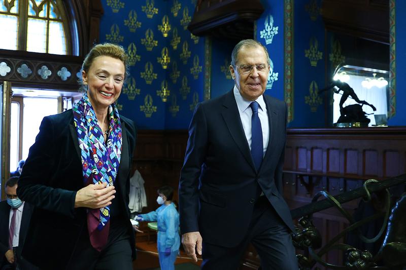 Мария Пейчинович-Бурич и Сергей Лавров во время встречи