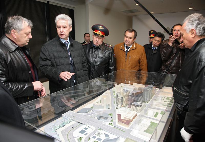 Мэр Москвы оценил транспортную ситуацию в центре столицы. 27 октября 2010 г.