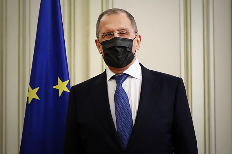 Сергей Лавров в защитной маке