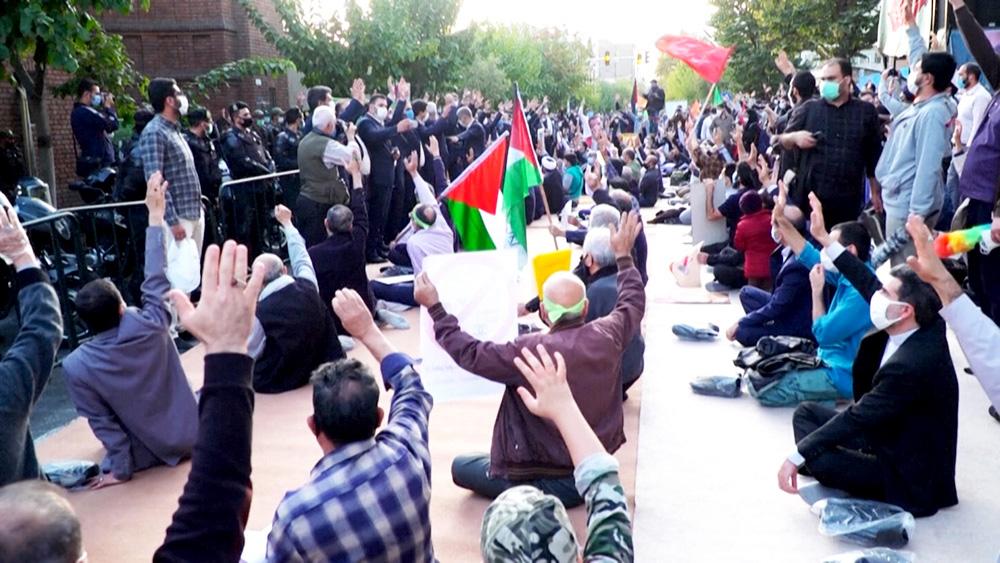 Антифранцузские митинги в Иране