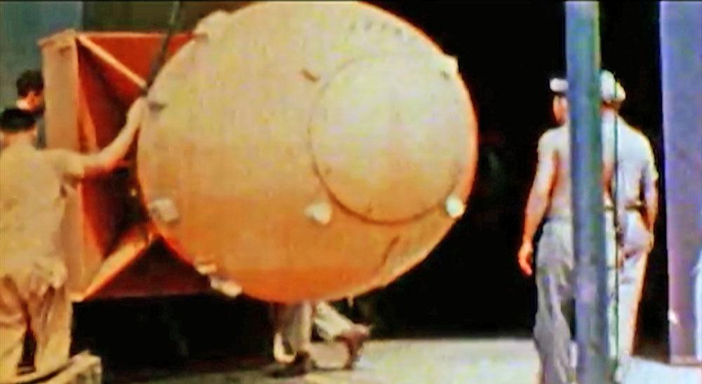 """Атомная бомба """"Толстяк"""", эквивалентом 21 килотонна тротила"""