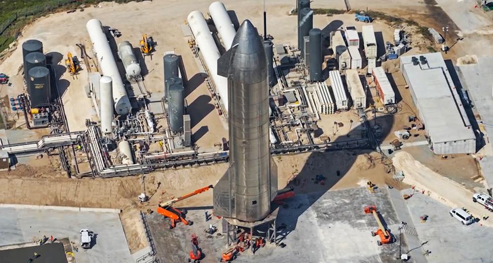 Ракета Starship SN8 на стартовой площадке