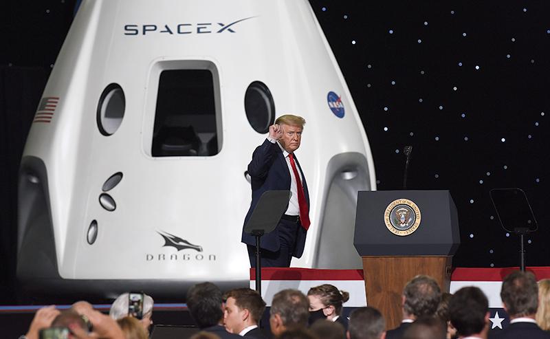 Пилотируемый космический корабль Crew Dragon компании SpaceX
