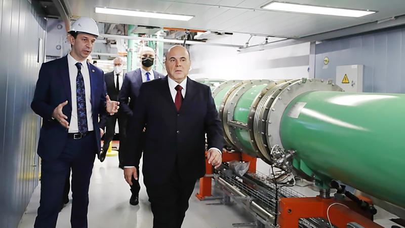 Михаил Мишустин посетил Объединенный институт ядерных исследований в Дубне