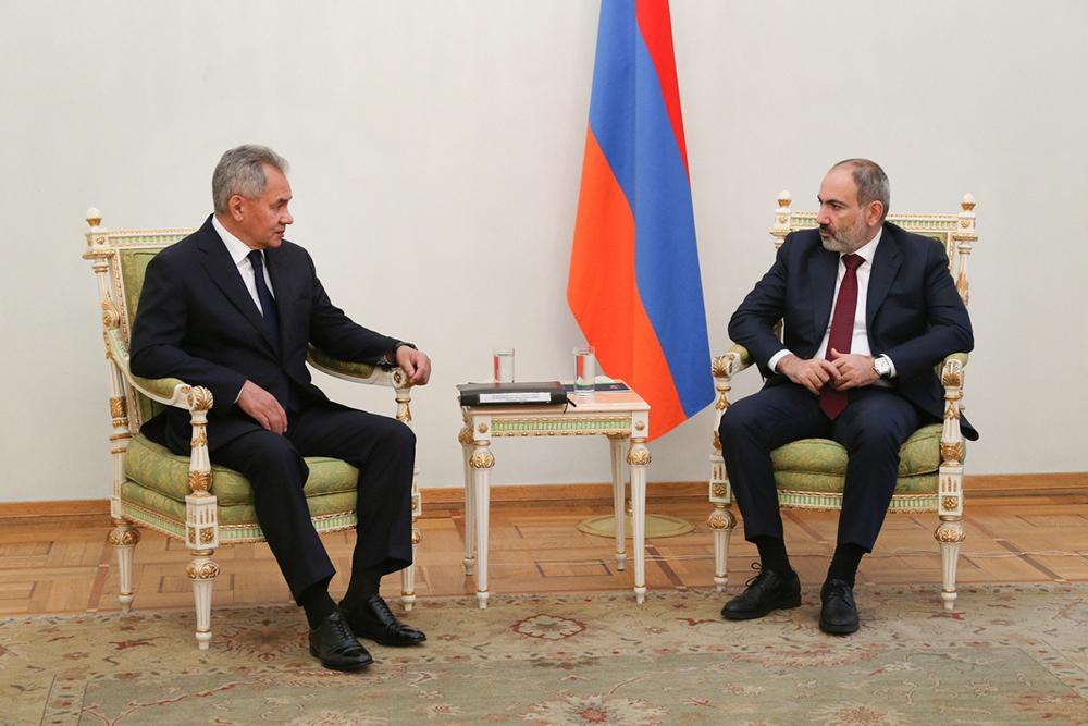 Сергей Шойгу и Никол Пашинян