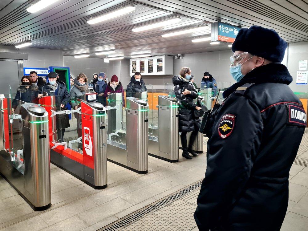 Рейд транспортной полиции по соблюдению перчаточно-масочного режима пассажирами
