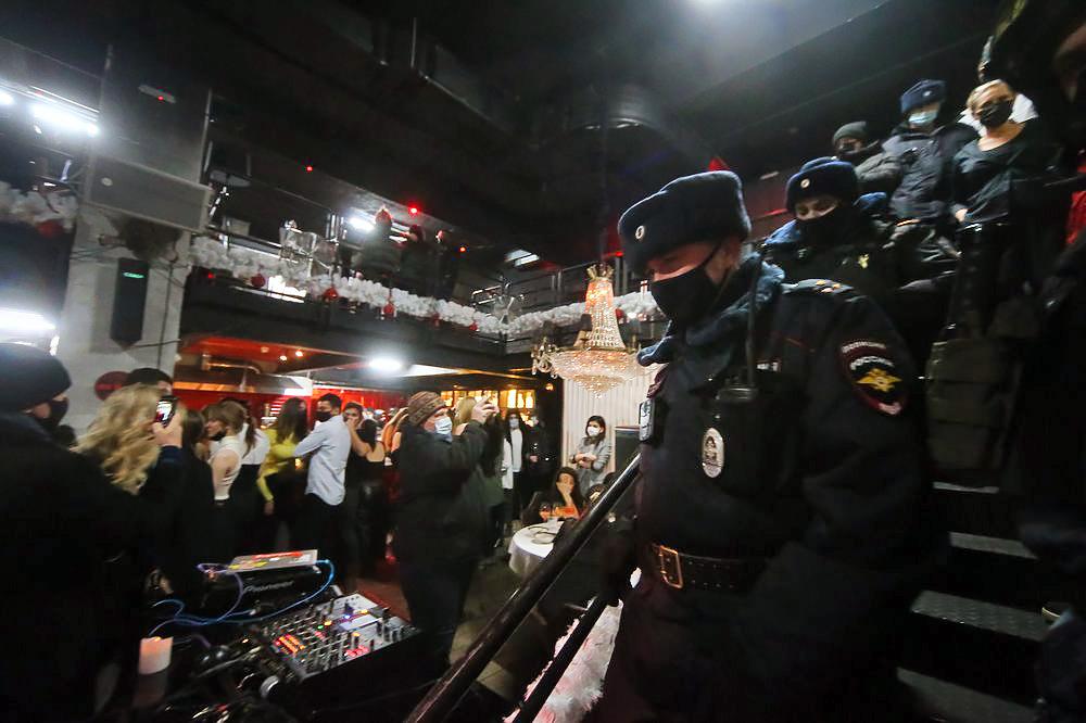Рейды по ночным клубам в москве фото красивых девушек в ночных клубах