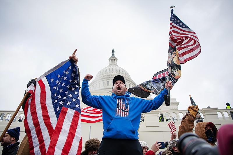 Беспорядки у здания Капитолия в Вашингтоне
