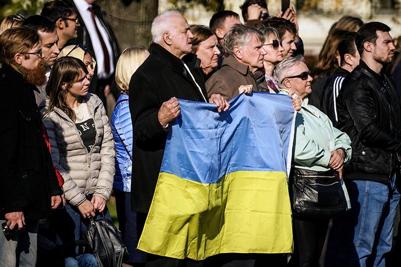 На Украину обрушилась вторая волна тотальной украинизации