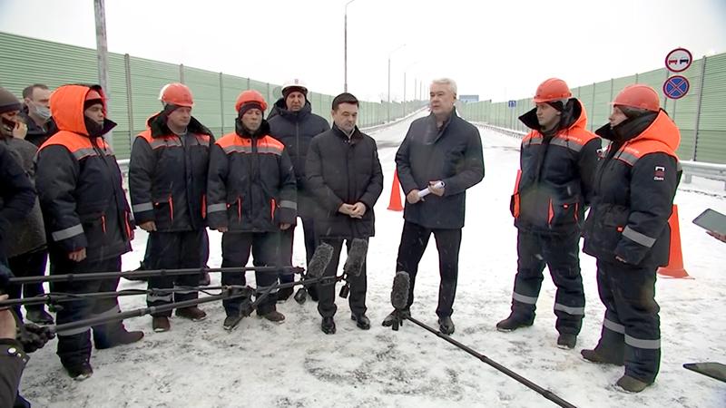 Сергей Собянин во время  открытия путепровода через МЖД у станции Жаворонки