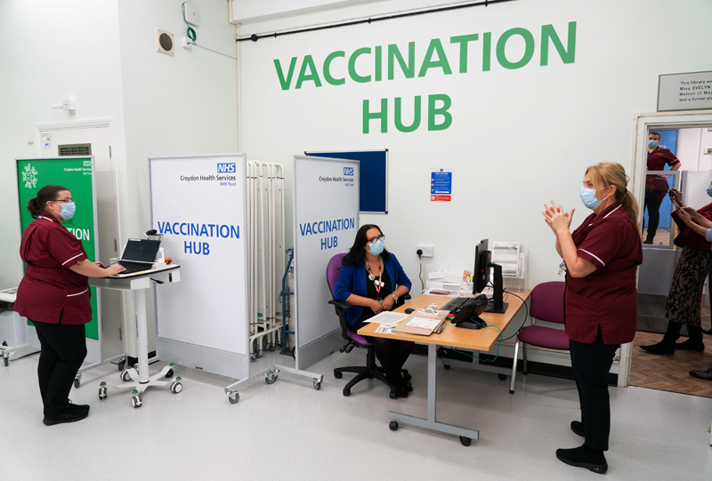 Вакцинация от COVID-19 в Великобритании