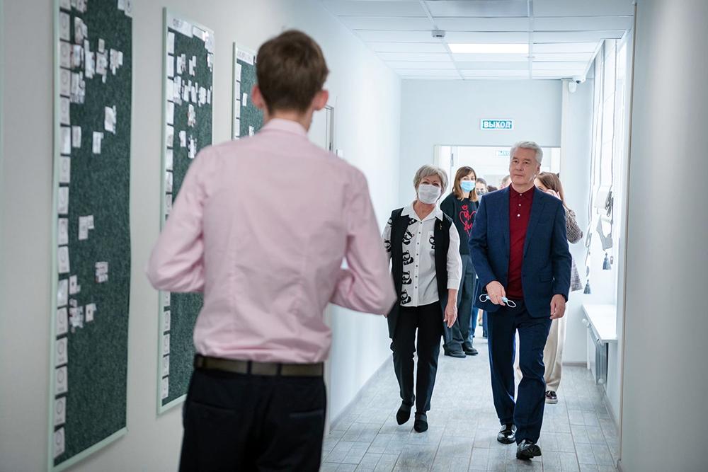 Сергей Собянин посетил учебно-тренировочное общежитие профильного центра