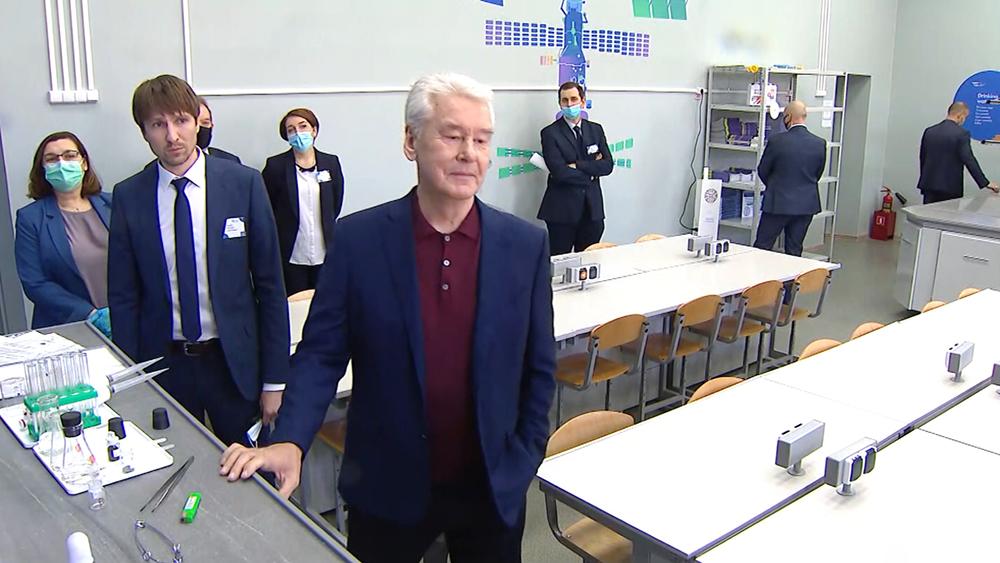 "Сергей Собянин посетил ""Цифровую школу"""