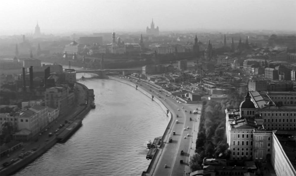 Панорама Москвы на архивных кадрах
