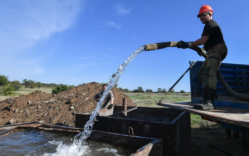Работы по бурению новых скважин для водообеспечения Крыма