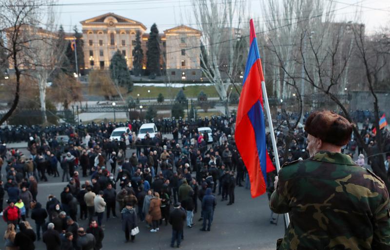 Акция сторонников премьер-министра Армении Никола Пашиняна в Ереване