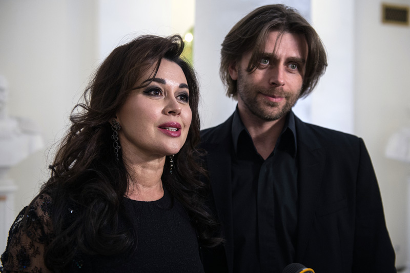 Анастасия Заворотнюк с мужем, фигуристом Петром Чернышевым