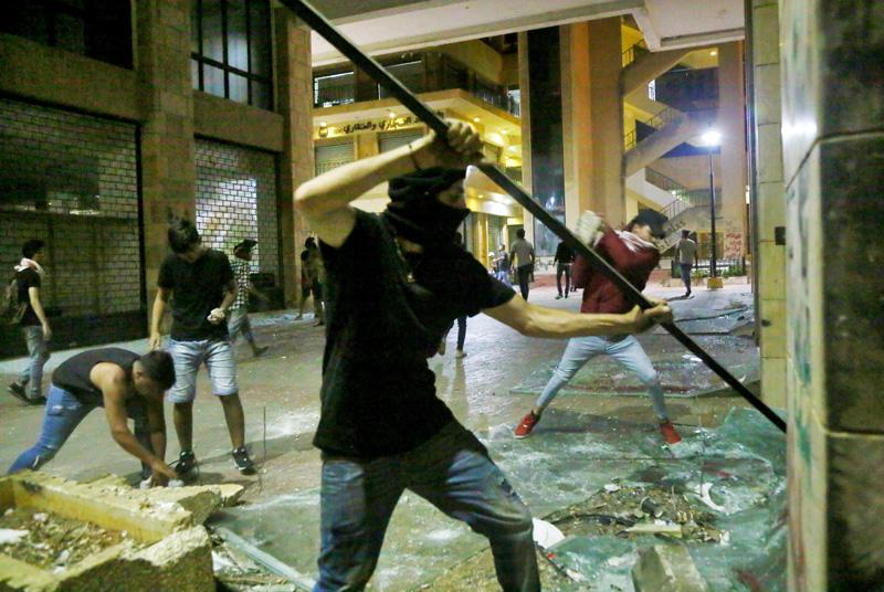 Беспорядки в Бейруте