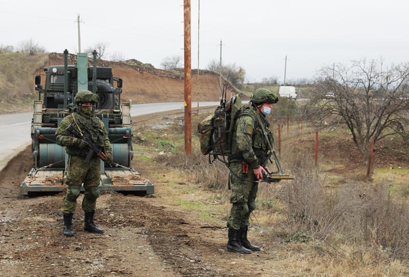 Разминирование местности в Нагорном Карабахе российскими саперами