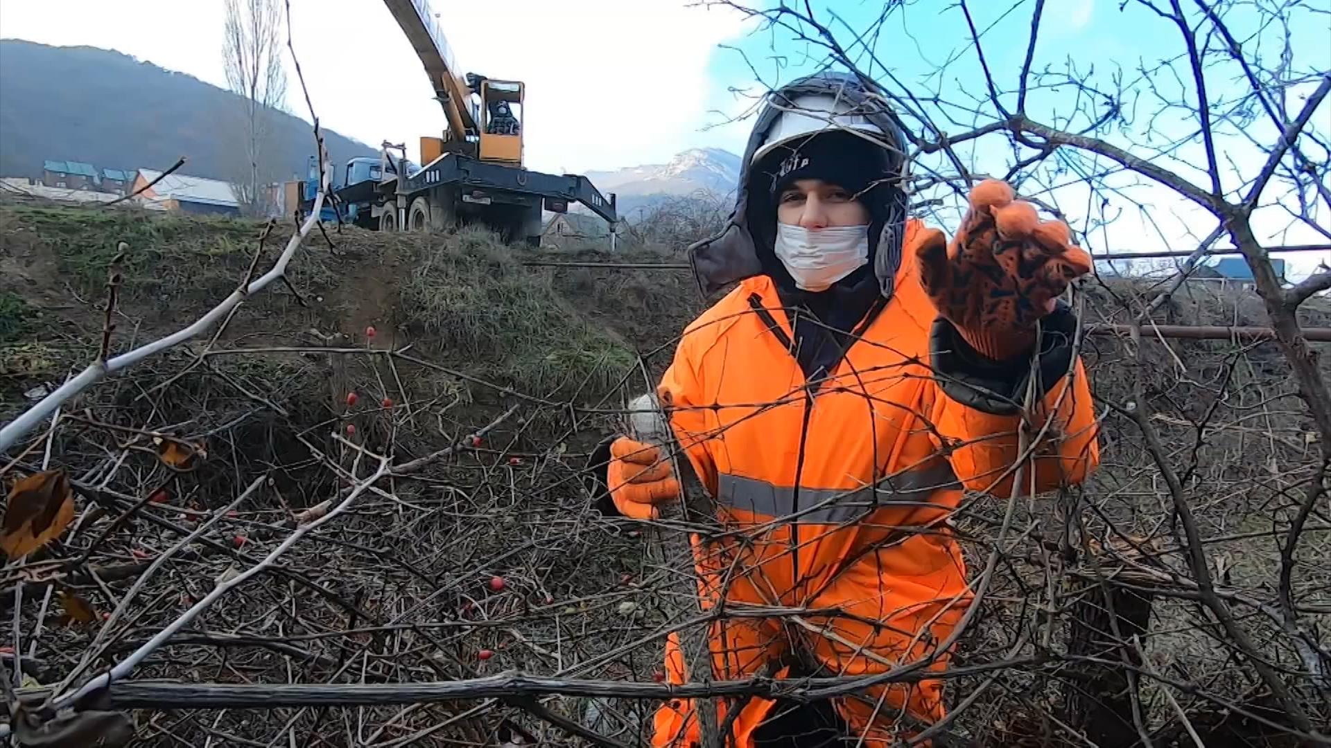 Очистка русла реки в Крыму