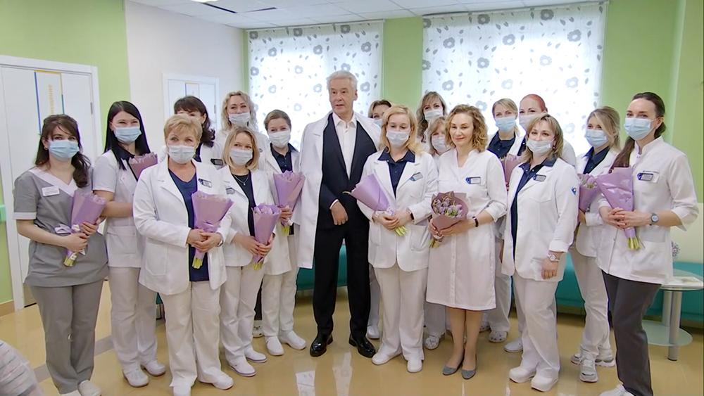 Сергей Собянин поздравил врачей