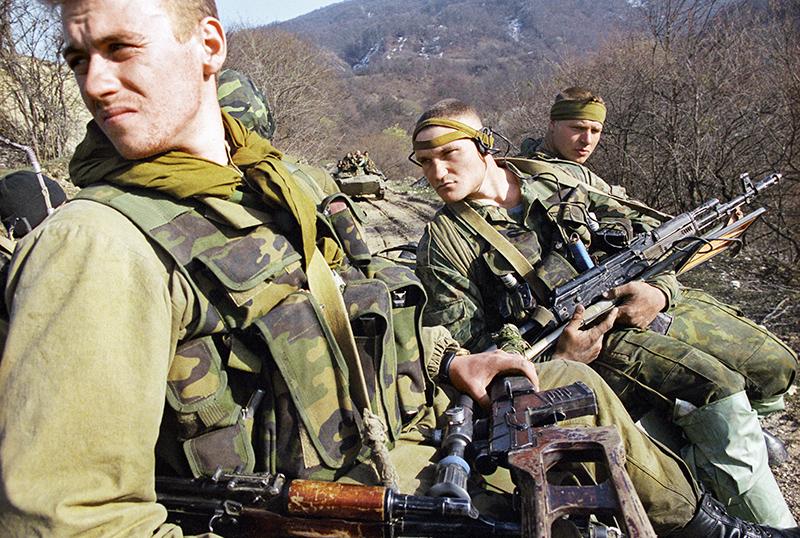 Военнослужащие из группировки федеральных сил на Северном Кавказе