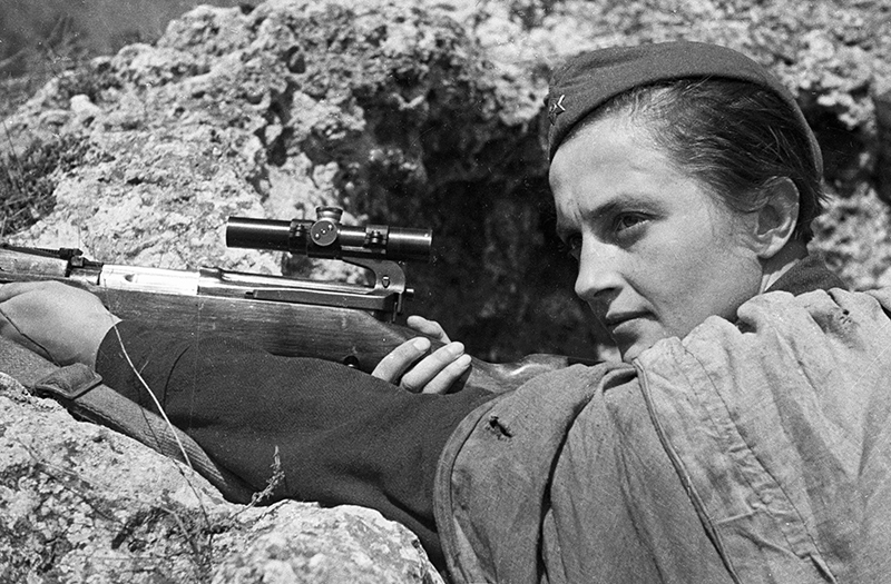 Людмила Павличенко - снайпер 25-й Чапаевской стрелковой дивизии