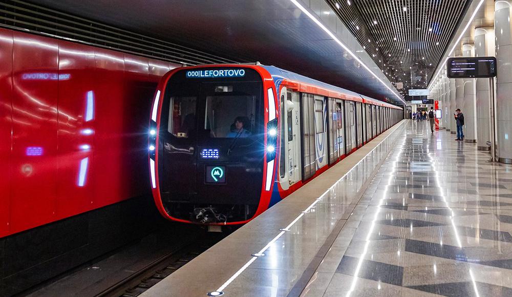 """Поезд метро нового поколения """"Москва-2020"""""""
