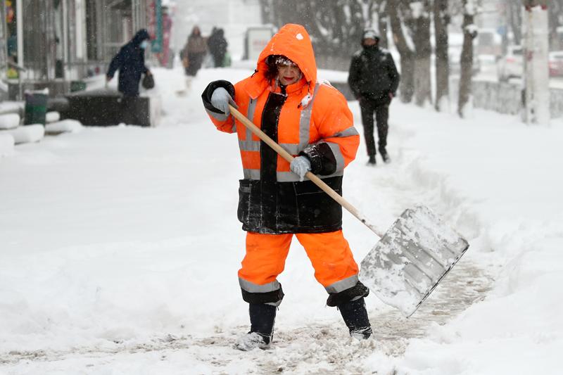 Уборка снега после снегопада